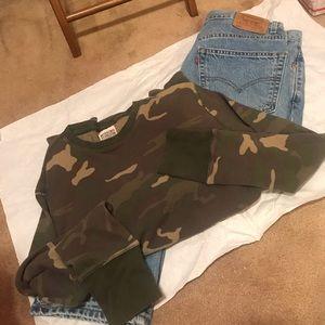 EUC/men's camo thermal shirt/size large